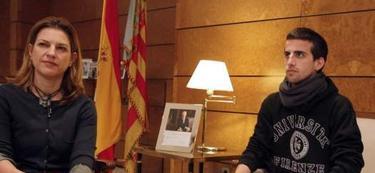 Albert Ordóñez con la delegada del Gobierno, Paula Sánchez de León | Efe