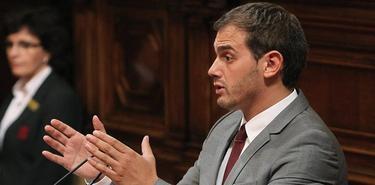 Albert Rivera en su intervención en el Parlamento catalán    EFE