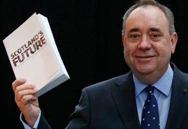 El principal ministro escocés, Artur Salmond, durante la presentación | Cordon Press
