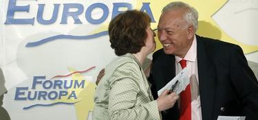 Catherine Ashton y Margallo se saludan en Madrid   EFE