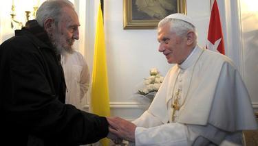 Fidel Castro saluda al Papa, Benedicto XVI   EFE