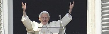 El Santo Padre, durante la ceremonia del Ángelus de este domingo | EFE