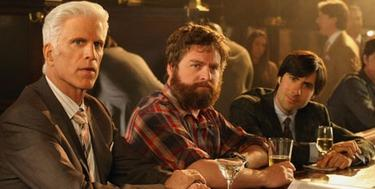 Ted Danson, Zach Galifianakis y Jason Schwartzman en Bored to death