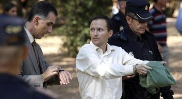 José Bretón con el juez en el parque Cruz Conde | Archivo