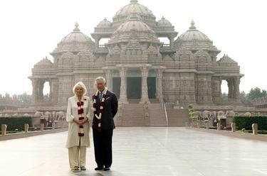 Carlos y Camilla en la India | Efe