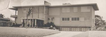 Esteban, a las puertas de su casa en el Country Club | Archivo Familiar