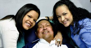 Chávez, junto a sus hijas | Gobierno de Venezuela
