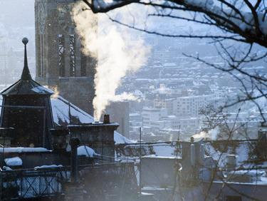 Las chimeneas como ésta de Zurich emiten CO2 entre otros gases. | Cordon Press