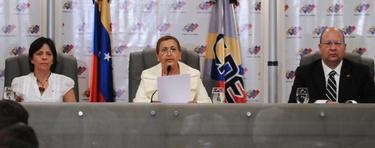 Momento en el que el CNE de Venezuela anunció la convocatoria de elecciones para el día 14 | EFE