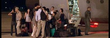Los cooperantes repatriados, a su llegada | Efe