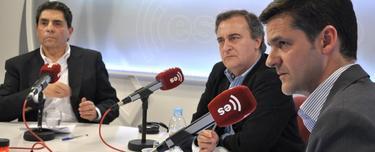 Javier Somalo (d), junto a Antonio de Castro (c) y Mauricio Rojas (i) | David Alonso/LD