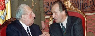Don Juan conversa con su hijo, el Rey Juan Carlos | EFE