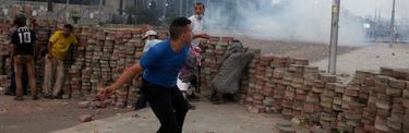 Barricada en un barrio a las afueras de El Cairo, este sábado. | Cordon Press