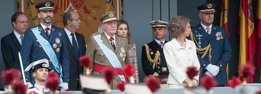 El Rey, los príncipes de Asturias y la reina en el desfile de las FFAA | C.Jordá