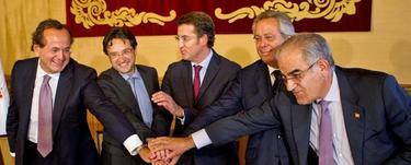 El presidente de Navantia, el consejero delegado de PEMEX, Feijóo, y los presidentes de la SEPI, durante la firma del acuerdo.|Efe