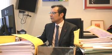 Francisco Marco, copropietario de Método 3, con informes en su despacho | Imagen TV