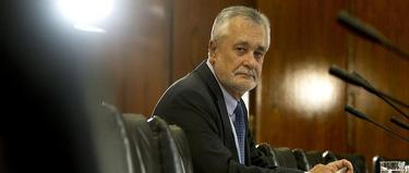 Griñán, durante la Comisión de los ERE. | Archivo/EFE