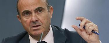 El ministro de Economía, este viernes tras el Consejo de Ministros. | Efe