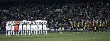 Los jugadores del Madrid durante el homenaje | EFE