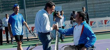 González y Carlos Moyá, presentando un torneo de tenis en silla de ruedas |CAM