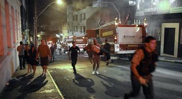 Imagen de la evacuación de la discoteca. | Efe