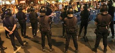 Antidisturbios de la Policía durante una concentración.   Archivo