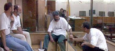 Bolinaga (Centro) durante el juicio, en 1998, por el secuestro de Ortega Lara