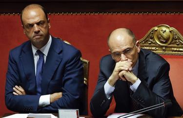 Angelo Alfano y  Enrico Letta en el Parlamento.   Cordon Press