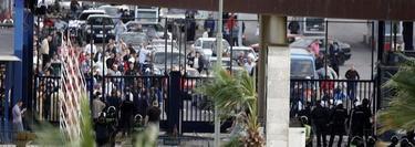 Agentes protegen el puesto de Beni Enzar | Efe