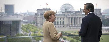 Merkel y el primer ministro griego contemplando Berlín | EFE