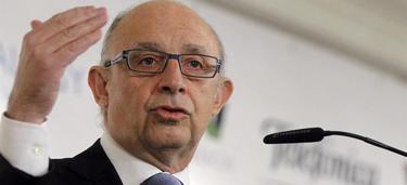 El ministro de Hacienda, Cristóbal Montoro, este lunes. | Efe