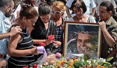 Ofelia Acevedo y Rosa María Payá, en un homenaje a Oswaldo | Facebook de R. M. Payá