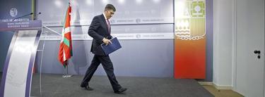 López, durante el anuncio del adelanto electoral | EFE