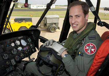 El príncipe Guillermo, piloto de helicópteros | EFE