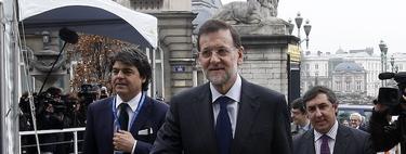 Rajoy en Bruselas con su equipo. | Diego Crespo