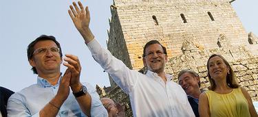 Rajoy, Feijóo y Pastor en un momento del mitin | PP/Tarek
