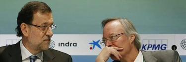 El presidente, con Piqué, el pasado verano en Sitges.