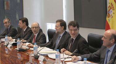 Rajoy y su equipo económico, en la Comisión Delegada.