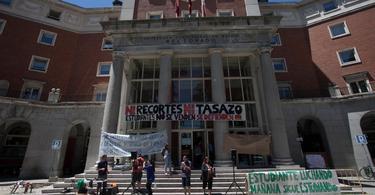 Protestas ante el Rectorado de la Universidad Complutense de Madrid. | Cordon Press