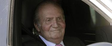Su Majestad el Rey Don Juan Carlos I, a su entrada al hospital   Archivo
