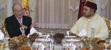 El Rey con Mohamed VI en una cena oficial   EFE