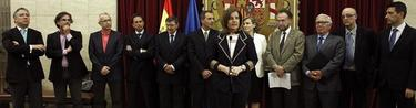 Grupo de sabios con Fátima Báñez | EFE