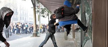 Altercados en Barcelona durante la huelga general