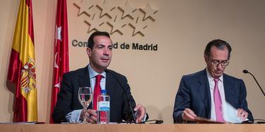 Los consejeros Victoria y Ossorio en la rueda de prensa | LD