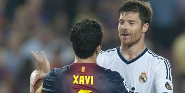 Ambos jugadores se saludan después del clásico del pasado 7 de octubre. | EFE