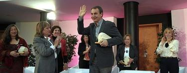 Rodríguez Zapatero, tras recibir el premio | EFE