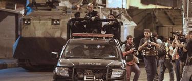 Centenares de policías apoyados por blindados han entrado en las favelas. | Efe