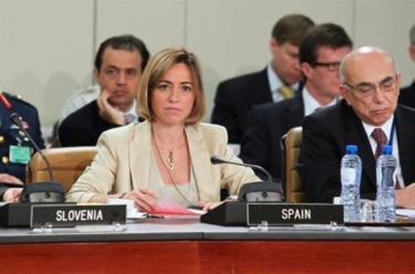 Carmen Chacón, durante la reunión de la OTAN de principios de junio. | Mde.es