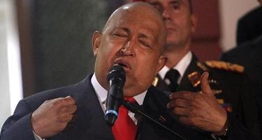 Hugo Chávez habla a la prensa. | EFE