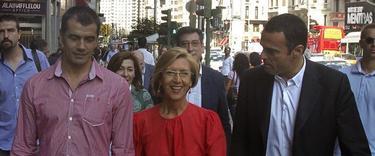 Rosa Díez, junto a Toni Cantó (i) y Rubén Múgica (d) | Efe